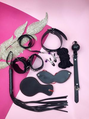 БДСМ набор черного цвета с круглой шлепалкой ( 8 предметов )